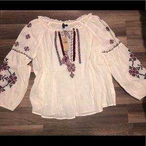 Embroidered American Eagle top